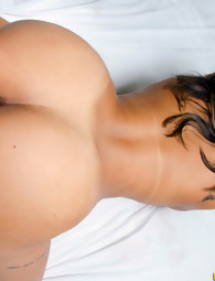 MikeInBrazil ™ presents Vanessa Prado in Slippery Vanessa