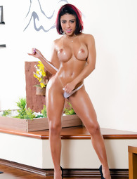 MikeInBrazil ™ presents Laysa in Berry Sweet