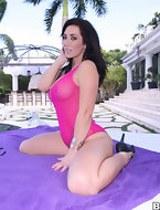 Jayden Jaymes. This sputter butt babe is drop tiresome gorgeous and fucks like a true porn star. She begins with a..